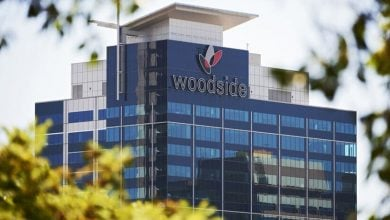 Photo of وودسايد الأسترالية تخطط لبيع حصتها بمشروع الغاز المسال في كندا