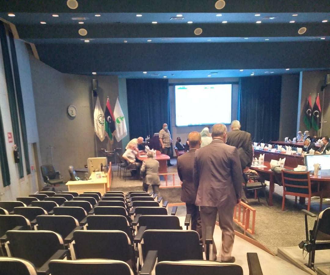 جانب من أعمال مؤتمر التقنية الرقمية لقطاع النفط في بنغازي