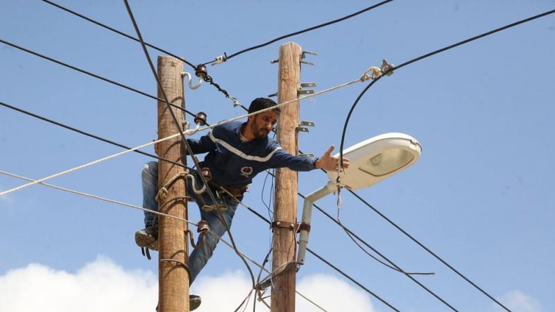 إضراب - صيانة أعمدة الكهرباء في تونس