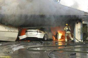 حرائق تيسلا - السيارات الكهربائية