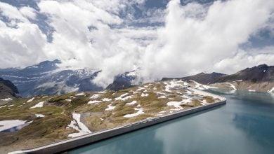 Photo of سويسرا تبني محطة طاقة شمسية على جدار سد موتسي