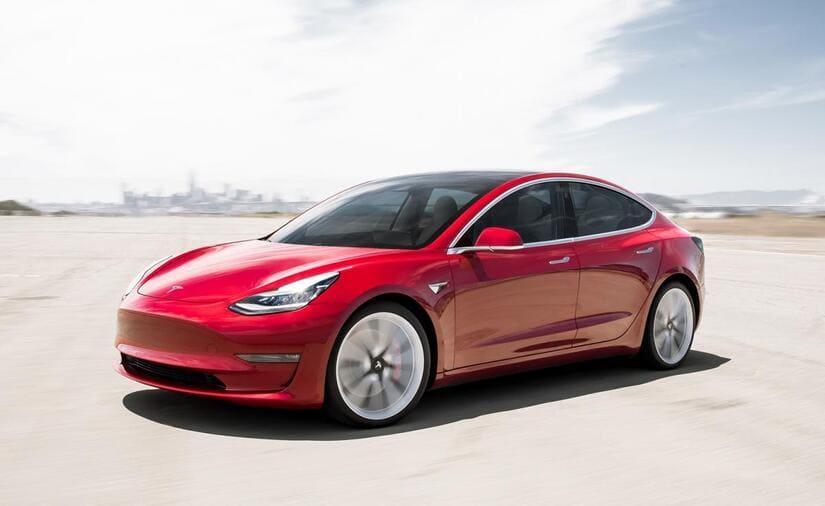 تيسلا طراز 3- السيارات الكهربائية
