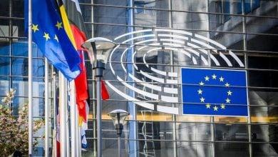 Photo of شركات الطيران والسيارات تقاوم ضريبة الاتحاد الأوروبي على الوقود (تقرير)