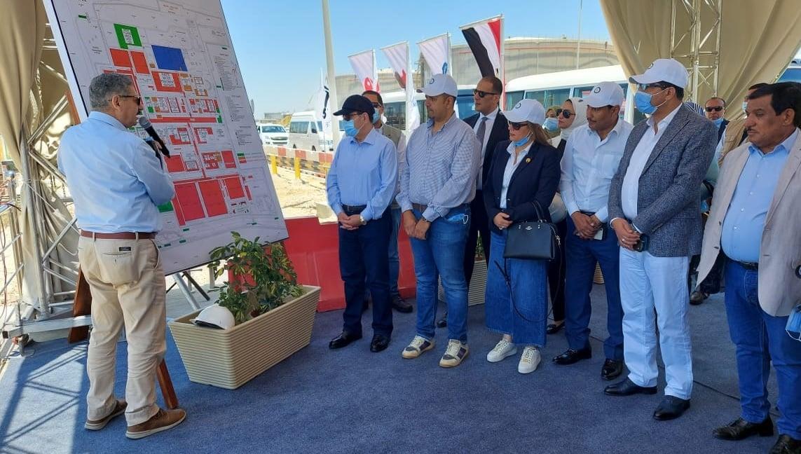 وزير البترول المصري وعدد من نواب البرلمان في جولة تفقدية بموقع مصفاة تكرير ميدور