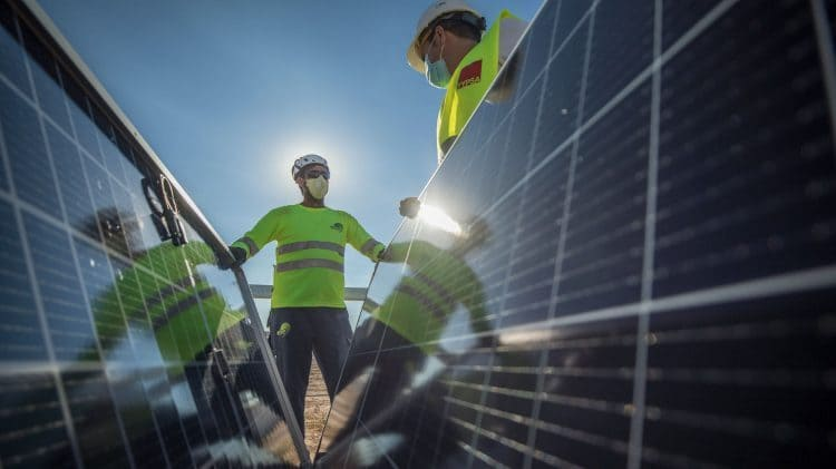 لايت سورس بي بي- الطاقة الشمسية