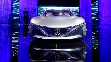 Photo of السيارات الكهربائية.. مرسيدس تخطط لاستثمار 47 مليار دولار لمنافسة تيسلا