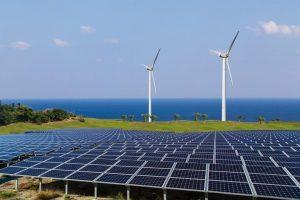طاقة الرياح - مزرعة للطاقة الشمسية وتوربينات الرياح