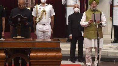 Photo of عاجل.. إقالة وزير النفط الهندي على خلفية أزمة أوبك+ وارتفاع الأسعار (صور)