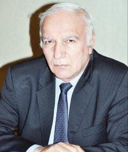 مبيعات السيارات - رئيس رابطة الصناعات المغذية للسيارات في مصر علي توفيق