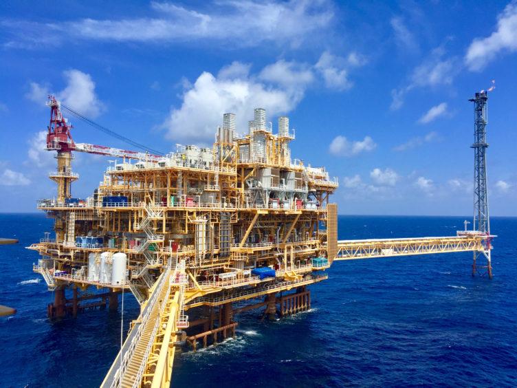 منصة إنتاج نفط في تايلاند