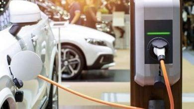 Photo of السيارات الكهربائية أقل تلويثًا من نظيراتها التقليدية (دراسة)
