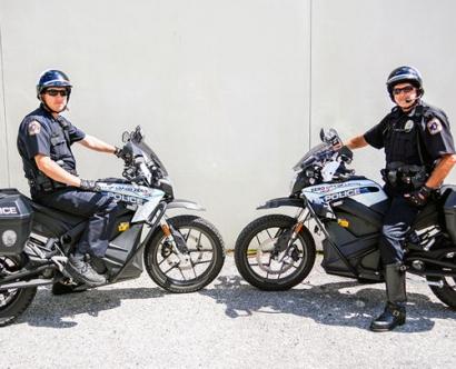 فلوريدا الأميركية - دراجات نارية تعمل بالكهرباء