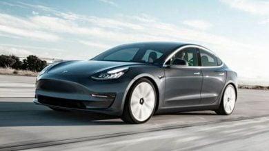Photo of تيسلا تقود السيارات الكهربائية نحو مبيعات قياسية في بريطانيا