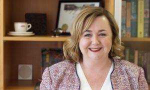 وزيرة الطاقة والموارد النيوزلندية، الدكتورة ميغان وودز