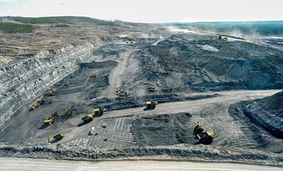 منجم فحم في مقاطعة ألبرتا الكندية