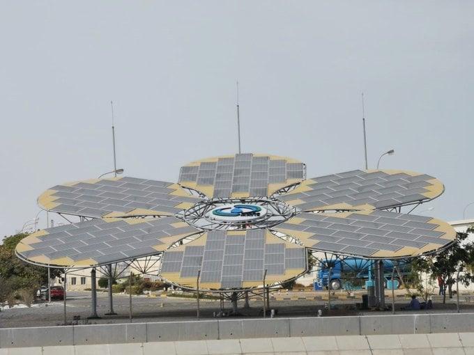 سلطنة عمان - مشروع الوردة الشمسية لإنتاج الطاقة الكهربائية