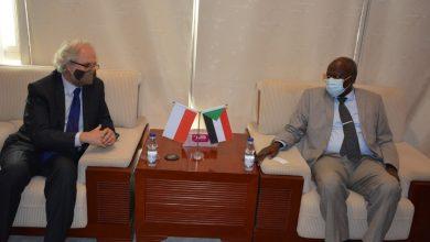 Photo of السودان يتعاون مع بولندا في مجال النفط والطاقة