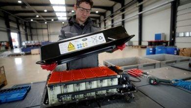 Photo of حرائق البطاريات تهدد ثورة السيارات الكهربائية.. وحلول للتغلب على الأزمة