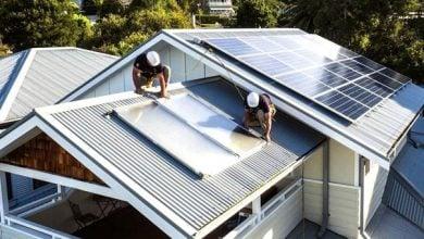 Photo of أستراليا تخطط لفرض رسوم على مالكي الألواح الشمسية المنزلية
