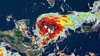 Photo of الإعصار غريس يضرب المكسيك ويقترب من منشآت نفطية