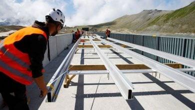 Photo of سويسرا تبدأ بناء أكبر محطة للطاقة الشمسية في جبال الألب (صور)