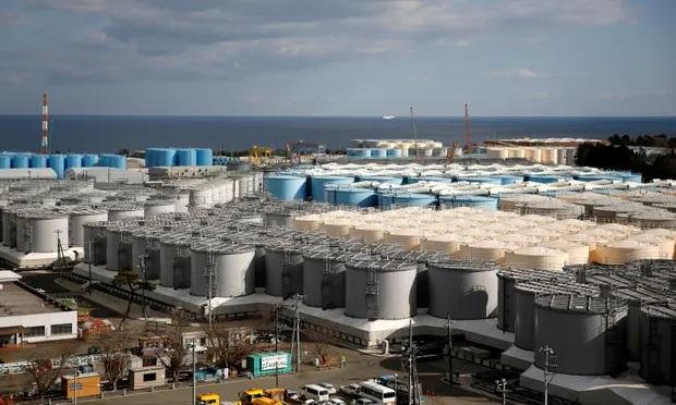 خزانات المياه المعالجة في محطة فوكوشيما دايتشي