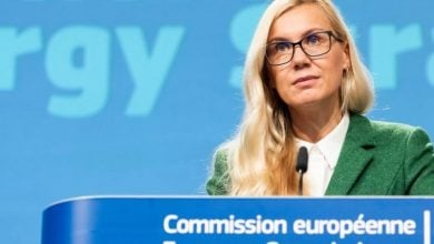 Photo of المفوضية الأوروبية: الطاقة الشمسية ضرورية للمناخ.. وتقود عملية التحوّل