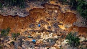 - قطاع مناجم التعدين مرتبط بالعنف ضد نشطاء البيئة