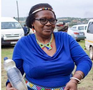 - الناشطة البيئية في منطقة فيكيلينتشانغاس بجنوب أفريقيا التيقُتلت بالرصاص في منزلها