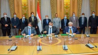 Photo of مصر تستعين بخبرات سيمنس في ربط المنصات البحرية وحقول النفط إلكترونيًا