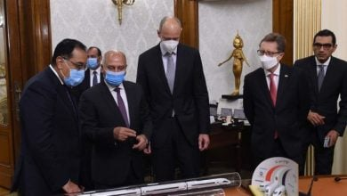 Photo of مصر.. تحالف بقيادة سيمنس لتنفيذ أول خطوط القطار الكهربائي السريع (فيديو)
