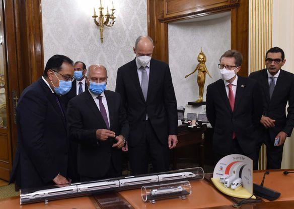 مصر - القطار الكهربائي السريع