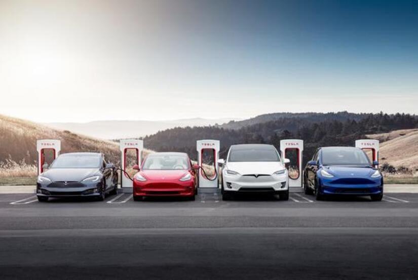 تيسلا - السيارات الكهربائية